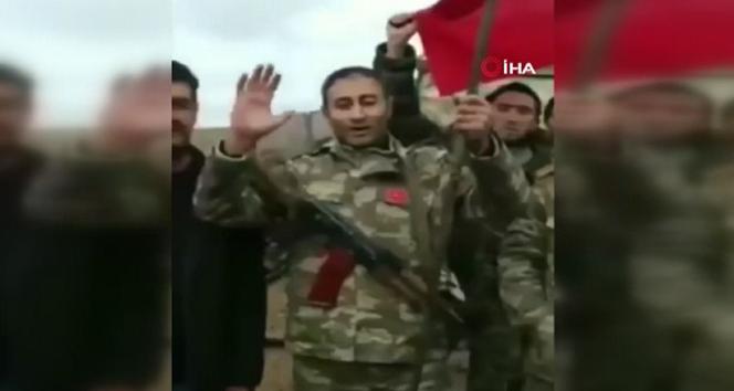 Azerbaycan askerleri Karabağ'a Türk bayrağı dikti