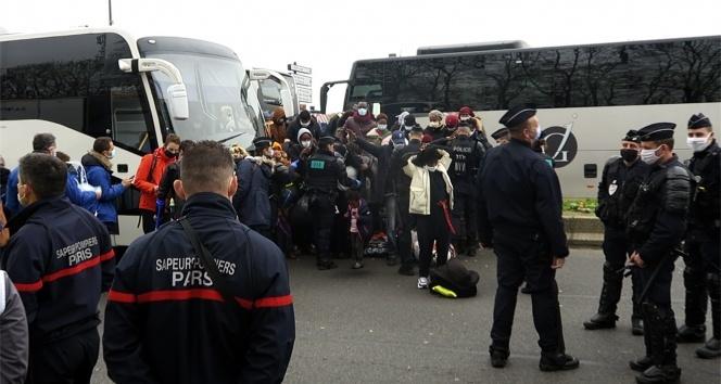 Paris'teki en büyük göçmen kampı polis tarafından boşaltıldı
