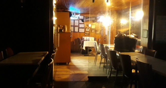 Polis ekiplerinden İstanbul'daki kafe ve restoranlara denetim