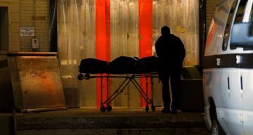 İtalya'da Covid-19'a bağlı can kaybı 75 bini aştı