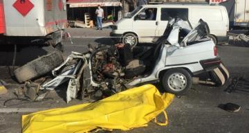 Tankere çarpan otomobilin sürücüsü hayatını kaybetti