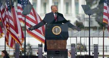 Trump'tan azil süreci açıklaması!