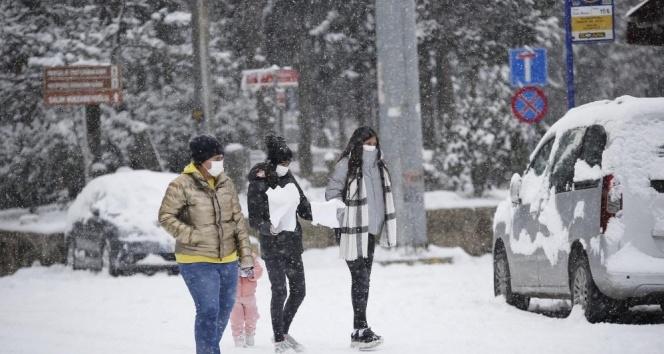 AKOM'dan İstanbul'a kuvvetli kar yağışı uyarısı!