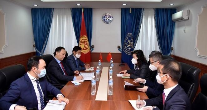 Çin, Kırgızistan'a bedava Covid-19 aşısı verecek