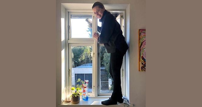 Danimarka Başbakanı Frederiksen evde temizlik yaptığı anları takipçileri ile paylaştı