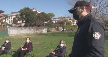 Polisten sigara içenlere ceza, sosyal mesafeli oturan teyzelere teşekkür