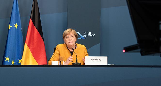 Almanya Başbakanı Merkel'den Covid-19'u yenmek için küresel eylem çağrısı