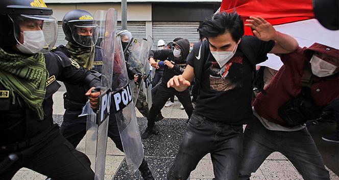 Peru'da Vizcarra'nın görevden alınmasıyla başlayan olaylarda tansiyon yükseldi