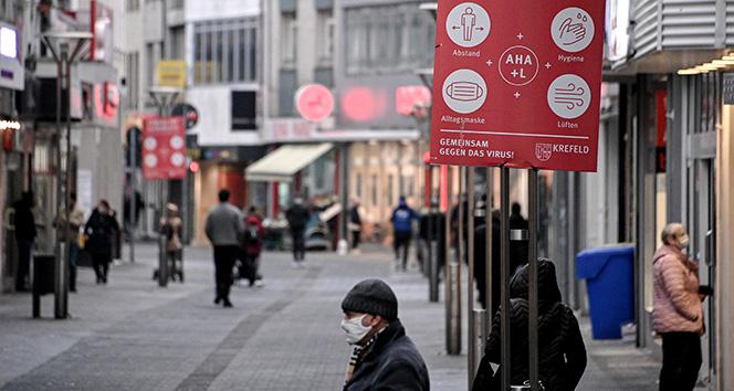 Almanya'da son 24 saatte korona virüsten 944 ölüm