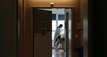 Fransa'da son 24 saatte 16 bin 546 yeni vaka