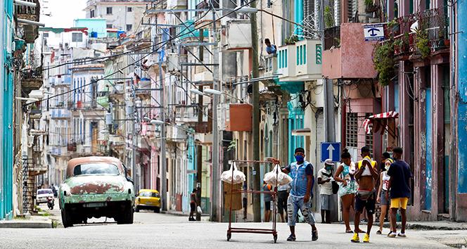 Küba'da yurt dışından gelen yolculara yönelik kısıtlamalar başladı