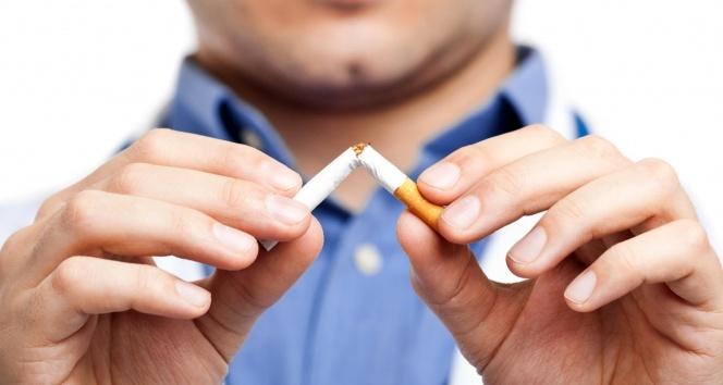 Pandemi sigara içme oranlarını yarı yarıya azalttı