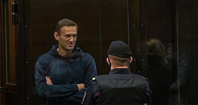 Rus muhalif lider Navalny duruşmada, destekçileri gözaltında