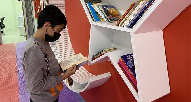 Sultangazi'de çocuk kütüphanesi hizmete açıldı