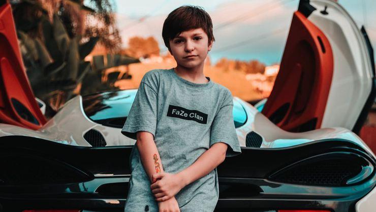 13 Yaşında kendi evini inşaa etti..